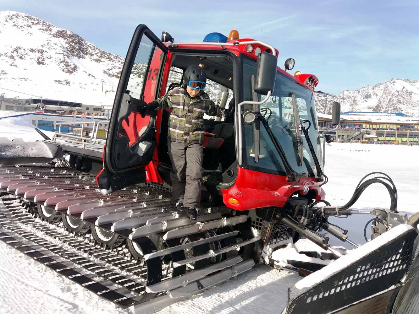 Pistenbully am Stubaier Gletscher