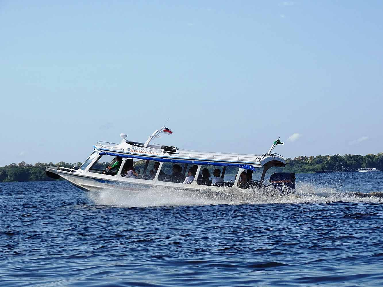 Brasilien Amazonas - mit dem Boot
