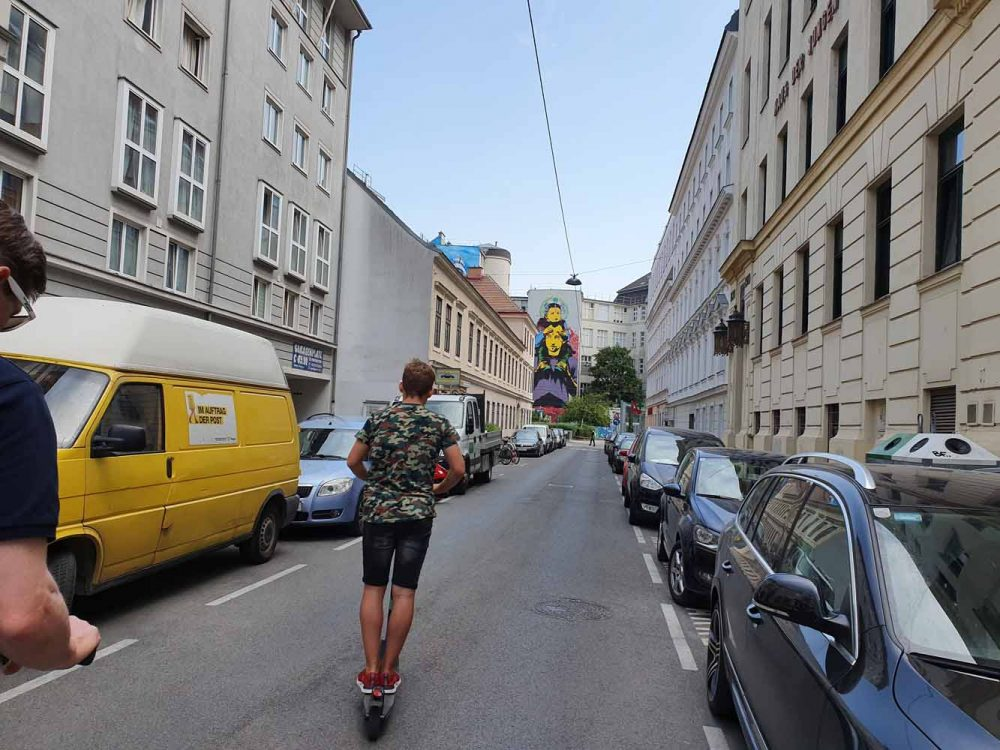 E-Scooter Tour Wien mit Teenager